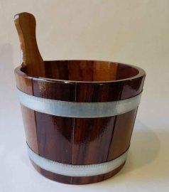 Шайка из лиственницы под лаком на 5 литров