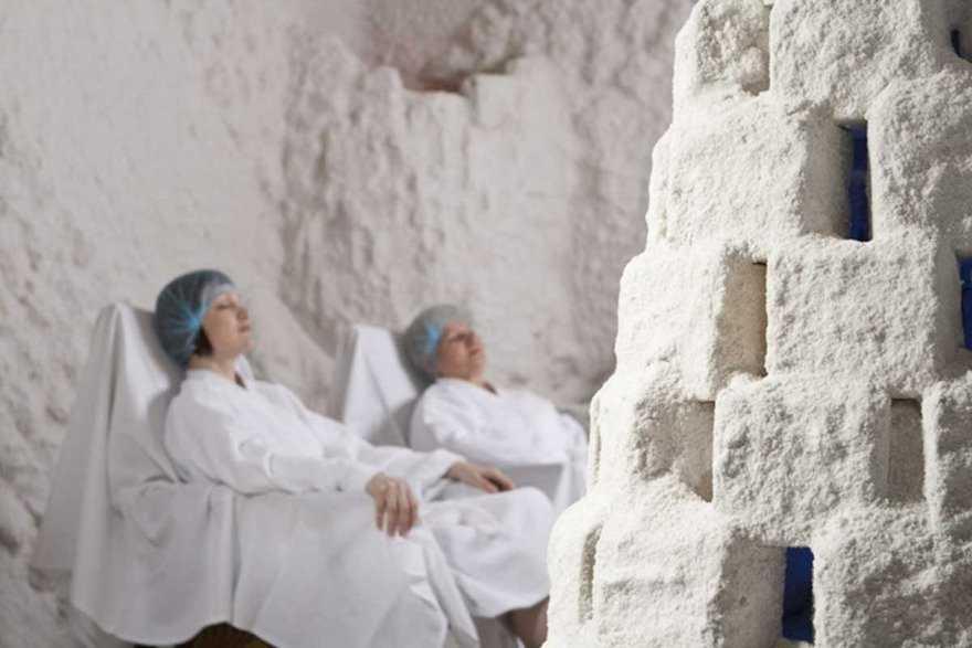 Показания и противопоказания соляной комнаты