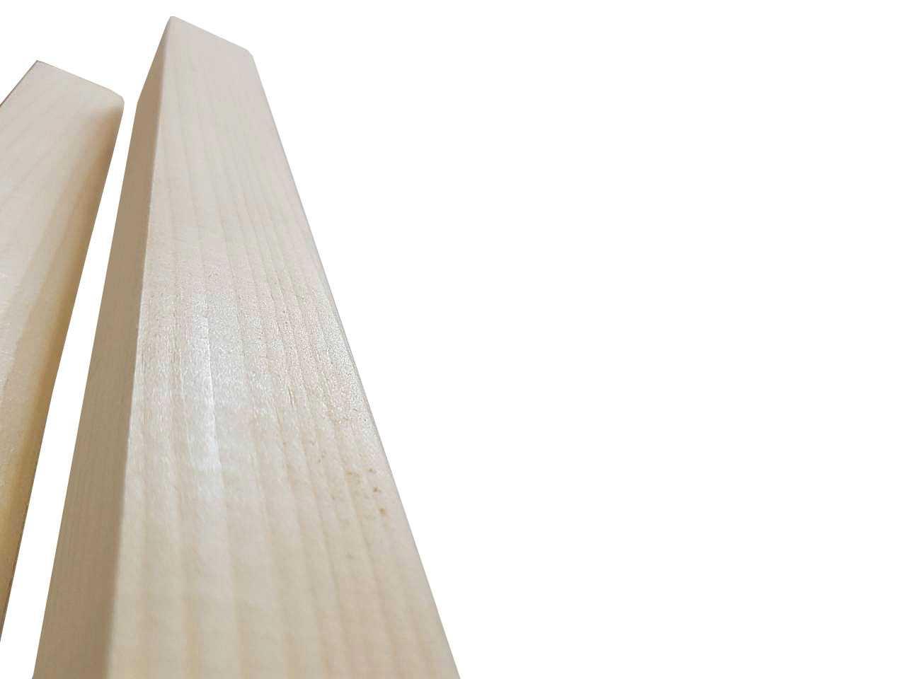 Угол из сосны наружный размер 30x30 мм.