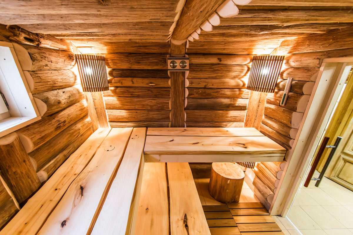 Русская баня на дровах в городе Киев, окно с термостойким стеклом
